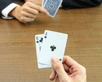Salary Poker: Strategies for Expert Negotiations